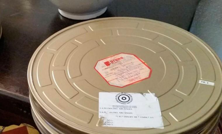 Recibimos el celuloide original de la Pluma del Arcángel, película basada en un cuento de Uslar Pietri