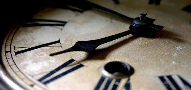 El tiempo y la política, por Alexis Aponte