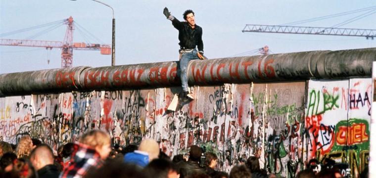 El necesario Muro de Berlín, por Ricardo Bello