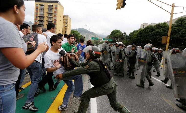 La guerra civil se puede evitar, por Antonio Ecarri Bolívar